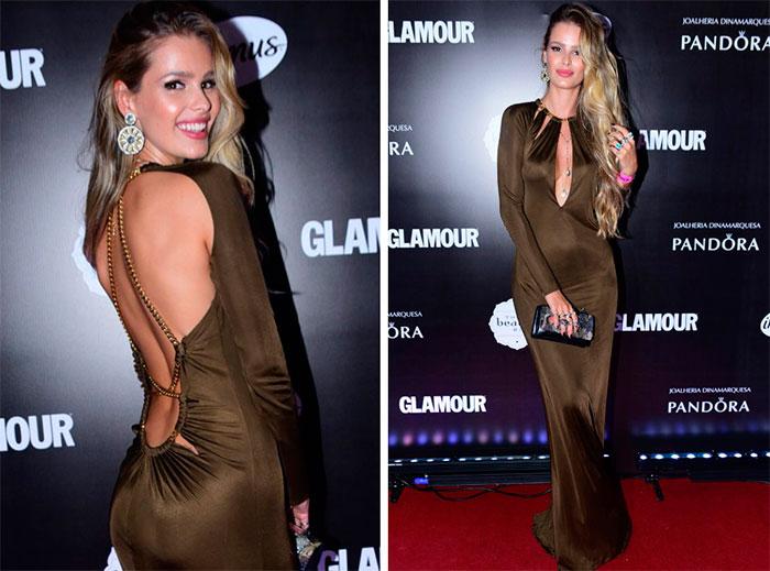 Yasmin Brunet arrasa com vestido sensual