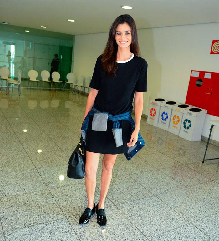 Isabeli Fontana esbanja glamour em desfile em Minas Gerais