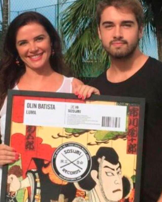 Olin Batista faz música para a mãe: 'Pessoa que mais amo'