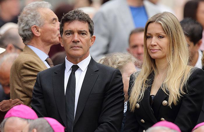 Antonio Banderas e Nicole Kimpel encontram o Papa