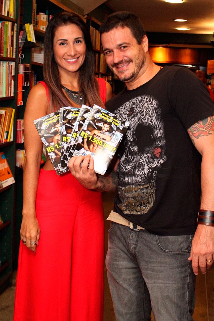 Ex-BBB Mau Mau lança autobiografia no Rio de Janeiro
