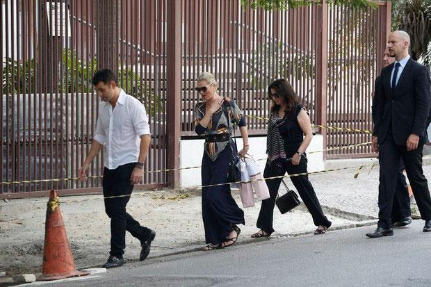 Kate Moss faz compras em São Paulo
