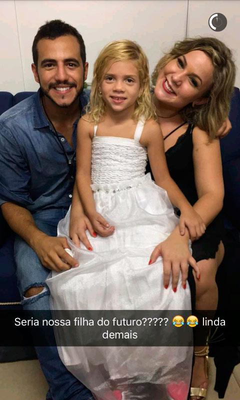 Matheus e Maria Claudia enlouquecem fãs com 'filha'. Veja!