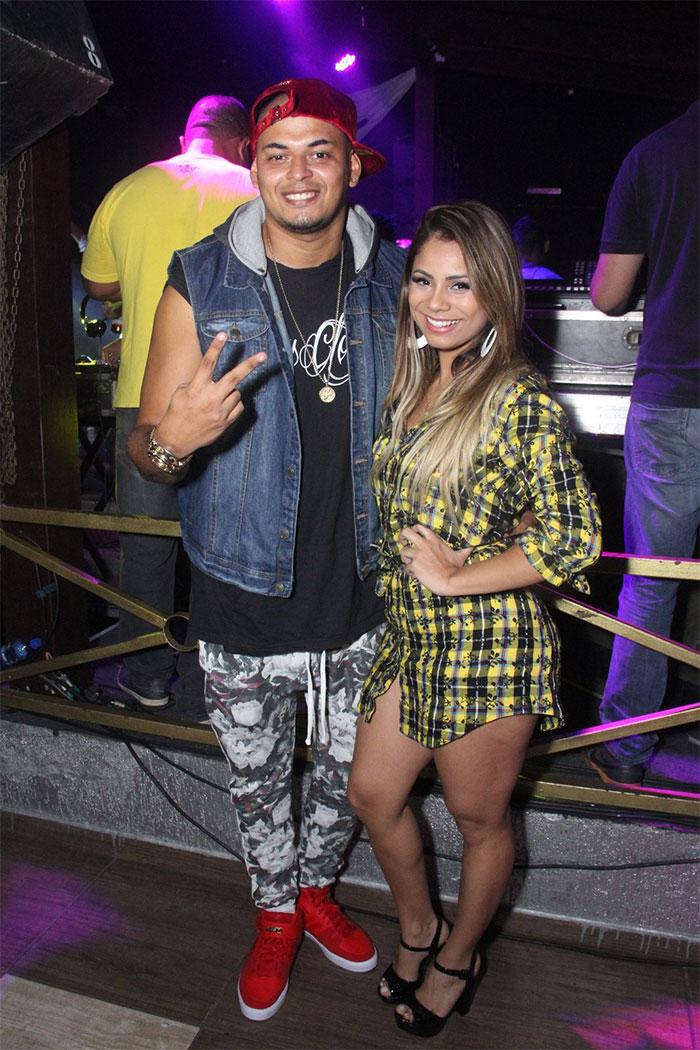 Lexa prestigia show do padrasto, Cacau Jr., no Rio