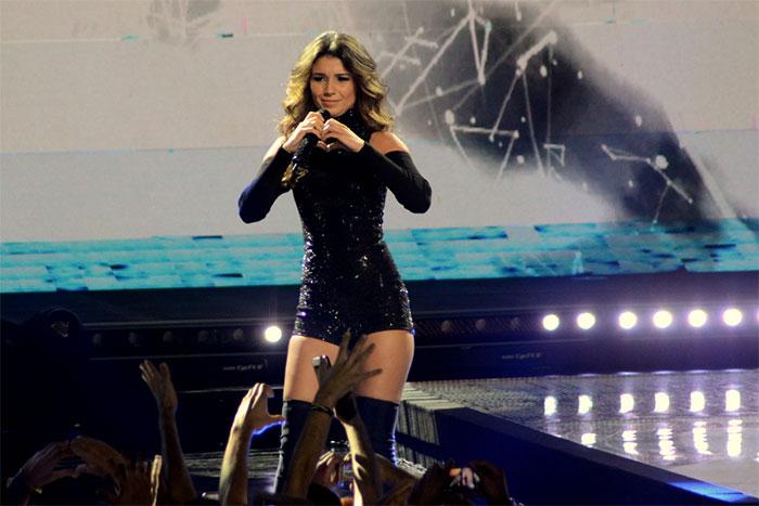 Gata! Paula Fernanda arrasa na gravação do novo DVD, em SP