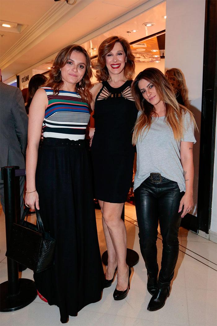 Mônica Iozzi, Cláudia Raia e Cléo Pires se reúnem em evento
