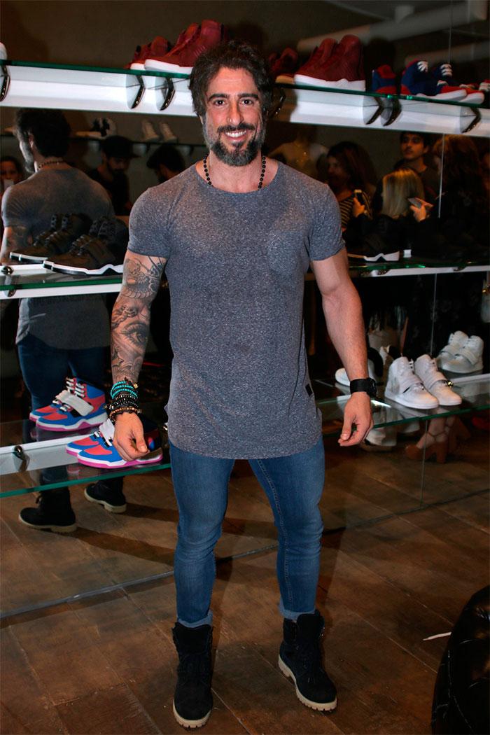 Marcos Mion surpreende por corpo musculoso em lançamento