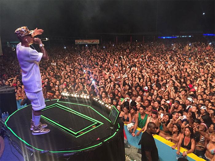 Luan Santana e MC Duduzinho se reúnem para enlouquecer