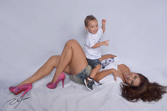 Desirée Oliveira aposta em ensaio para aniversário do filho