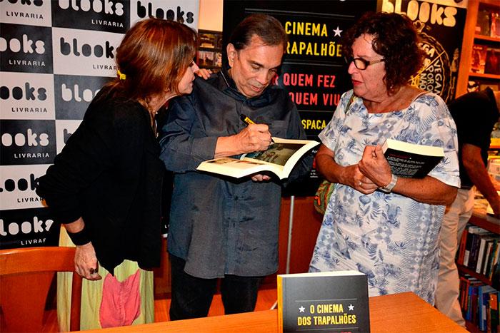 Dedé Santana prestigia lançamento de livro dos Trapalhões