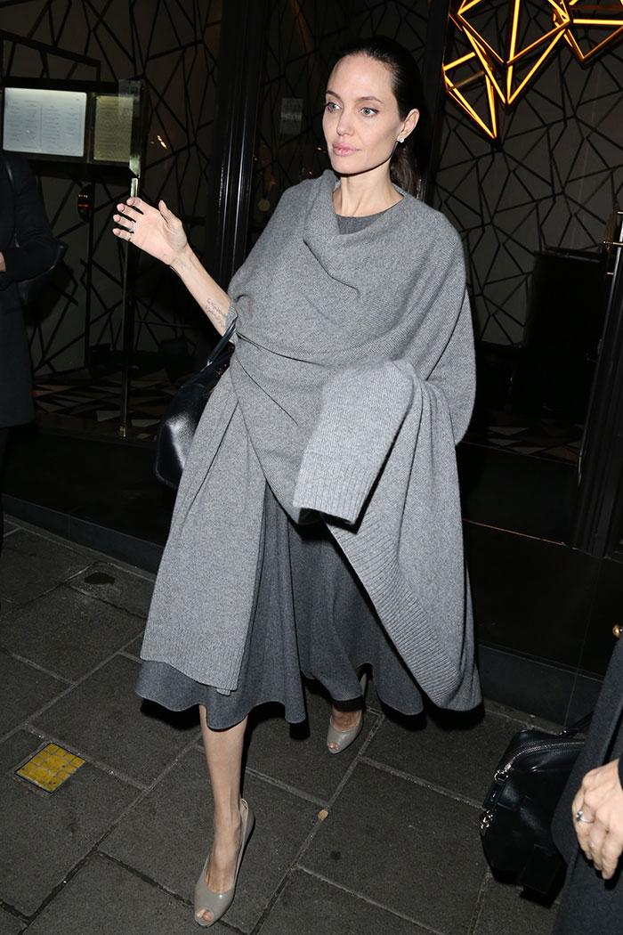 Angelina Jolie reaparece em meio a polêmicas sobre o peso