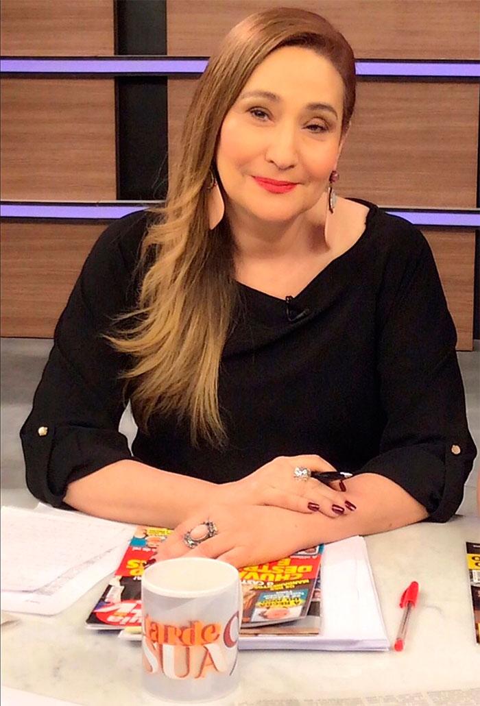 Sonia Abrão celebra 10 anos do A Tarde É Sua