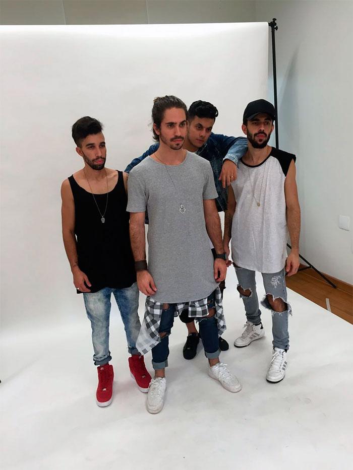 Após hit em novela, Atozero4 grava com MC Delano