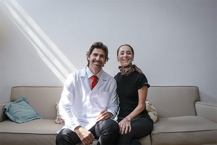 Reynaldo Gianecchini aparece barbado em gravação de campanha