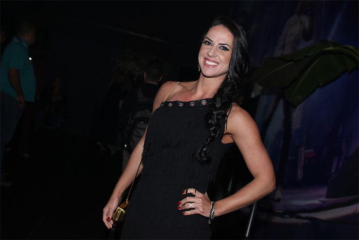 Wanessa Camargo prestigia o pai em show emocionante