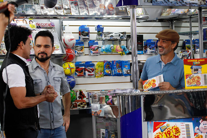 Zezé Di Camargo e Luciano gravam campanha da Tele Sena