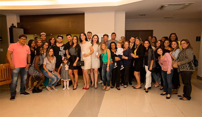 Fernanda D'avila e Luana Bandeira arrasam em inauguração