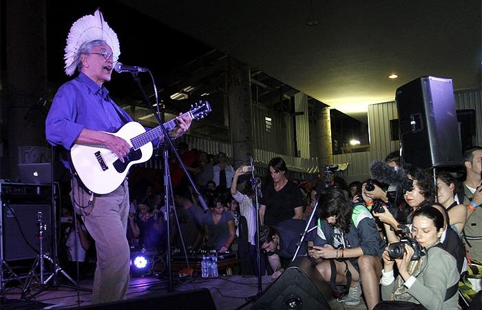 Caetano Veloso, Seu Jorge e Erasmo Carlos fazem show juntos
