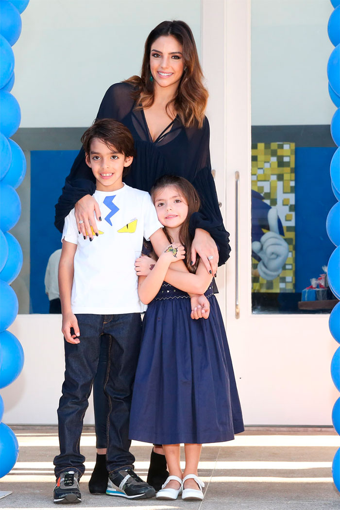 Carol Celico celebra aniversário do filho