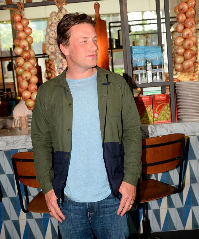 Simpatia! Jamie Oliver visita seu restaurante em Campinas