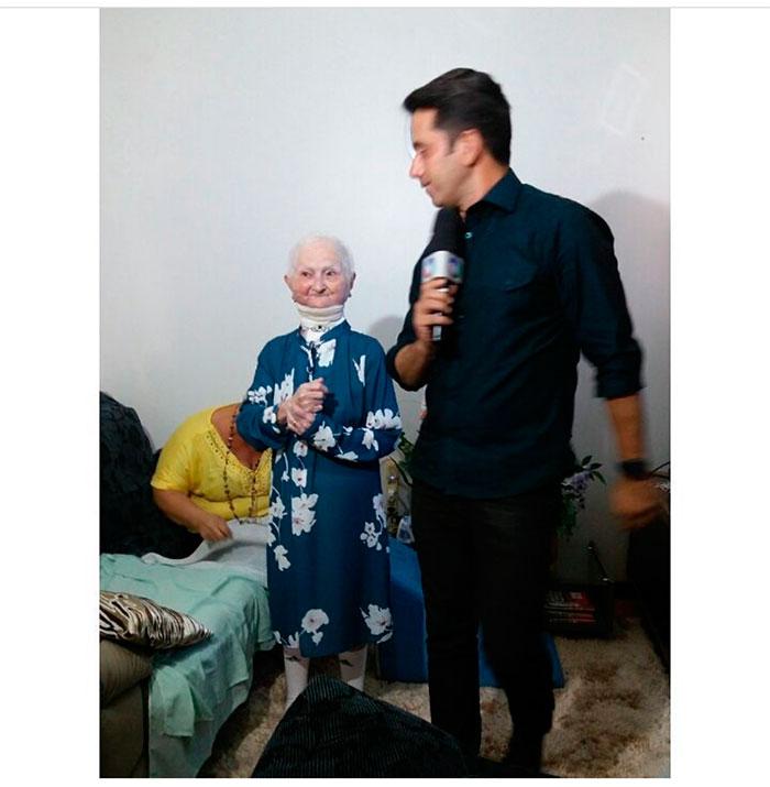 Rodrigo Faro marca encontro para realizar sonho de idosa