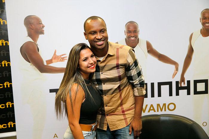 Thiagunho lança CD e recebe carinho de fãs