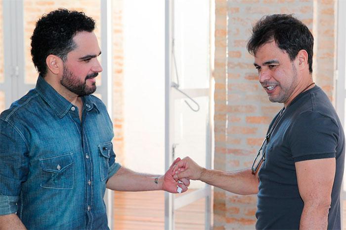 Zezé Di Camargo e Luciano fotografam para CD especial
