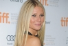 Gwyneth Paltrow usa elásticos para manter a forma -