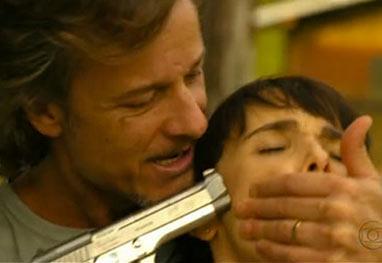 Max ameaça Nina com revólver e Avenida Brasil alcança média de 44 ...