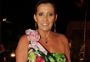 Casa De Cadillac >> Ritra Cadillac prepara festa havaiana para comemorar o final do ano   Ofuxico