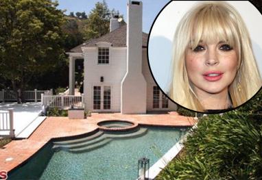 Lindsay Lohan começa 2013 despejada da mansão que alugava em Beverly Hills - Reprodução
