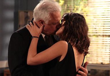 Amor à Vida: Antes de morrer, Cesar leva a secretária pra cama - Amor à Vida / TV Globo