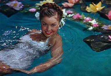 Morre estrela de Hollywood e nadadora Esther Williams - Divulgação