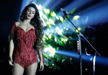 Paula Fernandes grava DVD com participação de famosos como Zezé e Luciano - Thyago Andrade/RioNews e AgNews