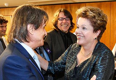 Roberto Carlos tem encontro com Dilma na votação do ECAD em Brasília  - Divulgação
