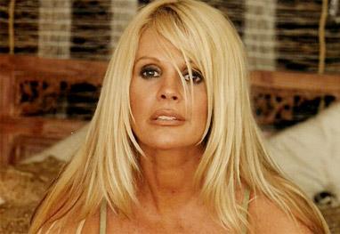 Monique Evans procura namorado em reality show na TV - Site Oficial