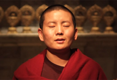 Monja budista vira estrela da música. Vídeo! - Reprodução