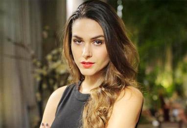 Após cirurgia, Fernanda Machado volta a gravar Amor à Vida - Divulgação/TV Globo