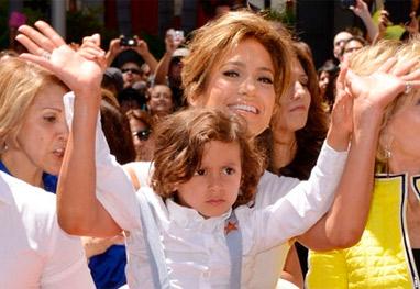 Filho de Jennifer Lopez quebra o braço - Getty Images