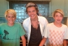 Harry Styles, do One Direction, faz pizza com filhos de Cindy Crawford -
