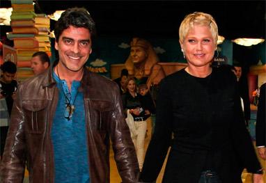 Xuxa leva o namorado, Junno Andrade, para celebrar 10 anos de seu Parque  - Manuela Scarpa/Foto Rio News