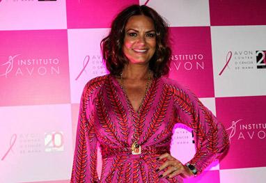 Luiza Brunet vai a abertura de campanha contra o câncer de mama - Cláudio Augusto/Foto Rio News
