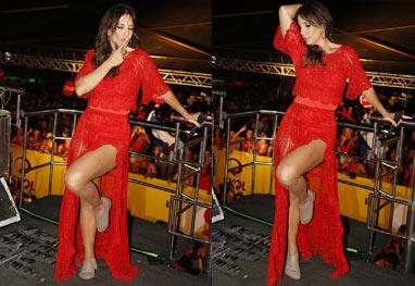 Ivete Sangalo exibe os pernões em micareta  - Divulgação/Fred Pontes