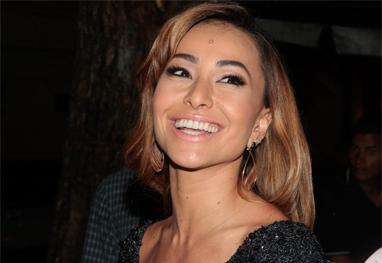 Sabrina Sato assina com a Record e ganha programa solo, diz jornal - AgNews