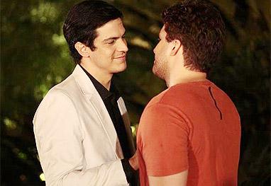 Após acontecer no BBB, novela da Globo também pode ter beijo gay  - Amor à Vida/TV Globo