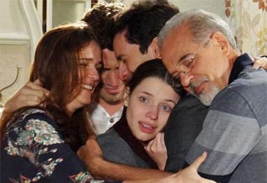 Amor à Vida: Linda desabafa e surpreende a família no reencontro com Rafael - Amor à Vida/TV Globo