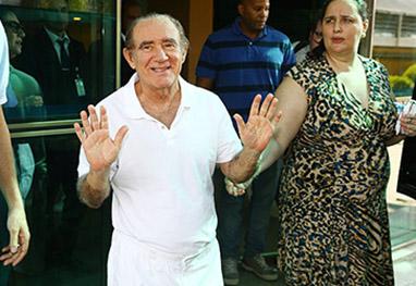 Renato Aragão volta ao hospital com infecção urinária - AgNews