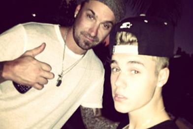 Pai de Justin Bieber é acusado de agredir fã do cantor - Reprodução