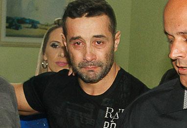 Visivelmente abatido, Marcos Oliver deixa prisão após 30 dias -  Amauri Nehn/Photo Rio News