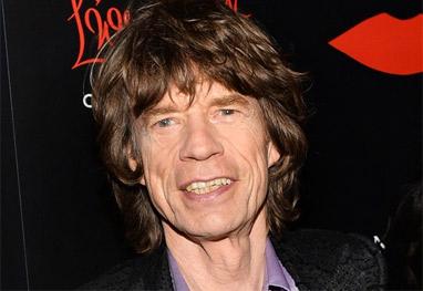 Após a morte da namorada, Mick Jagger circula com uma morena - Getty images